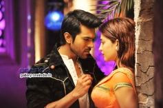 Ram Charan Teja and Shruti Haasan in Telugu Movie Yevadu