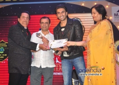 Ranveer Singh honoured during the 20th Lions Gold Awards 2014