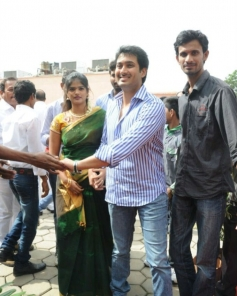 Rare and Unseen pics of Uday Kiran