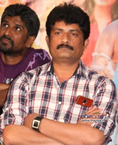 Ravishankar Gowda at Nage Bomb Press Meet