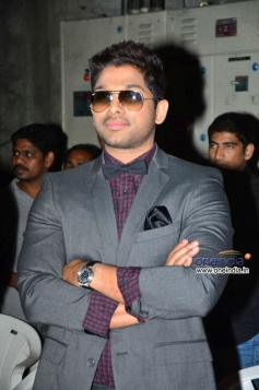 Telugu actor Allu Arjun at Rey Movie A to Z Look Launch