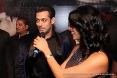 Salman Khan addressing media during the Jai Ho film premiere at Dubai