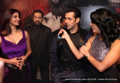 Salman Khan along with Daisy Shah during the Jai Ho film premiere at Dubai