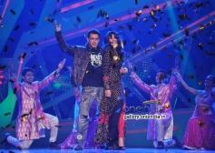 Salman Khan and Daisy Shah performed on the sets of Nach Baliye 6