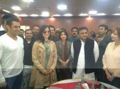 Salman Khan and Elli Avram with Chief Minister Akhilesh Yadav during the Saifai Mahotsav event.