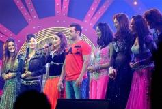 Salman Khan, Madhuri Dixit, Mallika Sherawat and other at Saifai Mahotsav