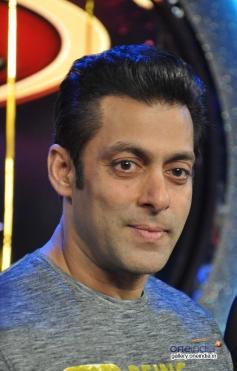 Salman Khan promotes Jai Ho on Dance India Dance