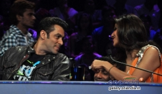 Salman Khan and Shilpa Shetty conversation on the sets of Nach Baliye 6