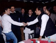 Salman Khan with Chief Minister Akhilesh Yadav