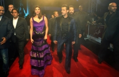 Salman Khan with his costar Daisy Shah during the redcarpet of Jai Ho film premiere at Dubai