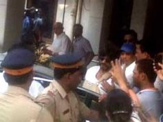 Shahrukh Khan snapped outside Nanavati hospital