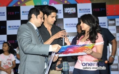 Sidharth Malhotra and Parineeti Chopra signs the KORUM autograph book