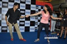 Sidharth and Parineeti dances together at Korum Mall Thane