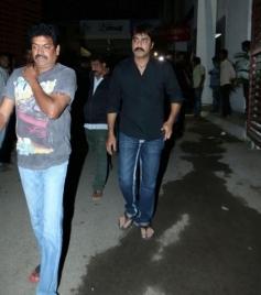 Srikanth take a last glimpse of actor Uday Kiran at Apollo Hospital
