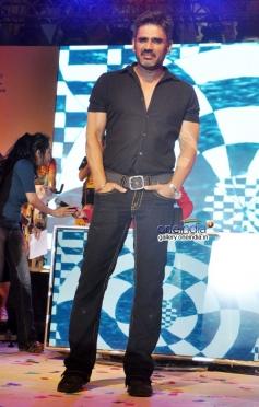 Suniel Shetty during the Yaariyan film promotion at Phoenix mall