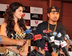 Sunny Leone with singer Honey Singh during film Ragini MMS 2 special song Chaar Bottle shooting
