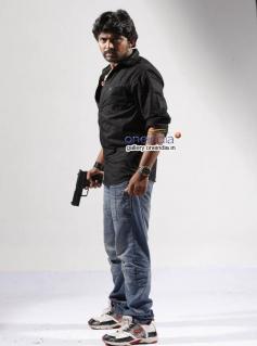 Suryaa in Kannada Movie Dosti