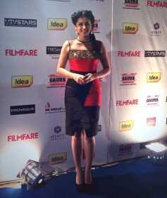 Tapasee Pannu at Filmfare Pre Awards Nominations Party 2014