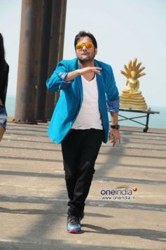 Tarun Kumar still from Yuddam Movie