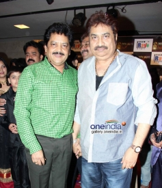 Udit Narayan and Kumar Sanu at the music launch of film Needar The Fearless