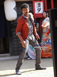Vijay still from film Jilla