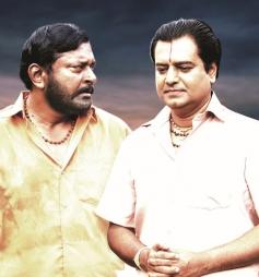 Kai Thennavan and Vivek still from film Naan Than Bala