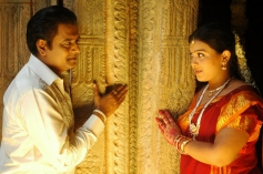 Vivek and Swetha still from film Naan Than Bala