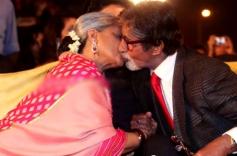 Jaya Bachchan & Amitabh Bachchan Kissed in Public