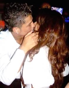 John Abraham & Bipasha Basu kissed in public