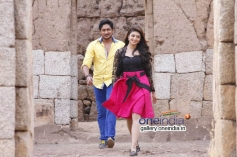 Ajay Rao and Pranitha in Kannada Movie A 2nd Hand Lover
