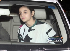 Alia Bhatt arrives at Highway special screening