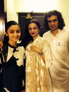 Alia Bhatt, Rekha and Imtiaz Ali at Highway special screening