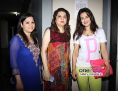 Ameesha Patel with Pankaj Udhas wife Farida