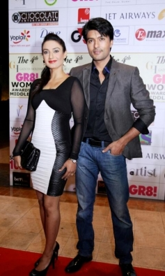Anas Rashid and Rati Pandey at GR8 Women Awards 2014 redcarpet