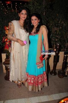 Anjum and Smita Bansal at success party of TV serial Balika Vadhu