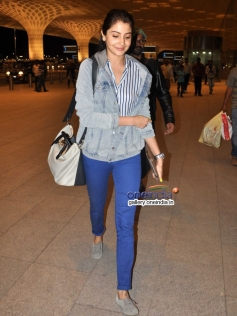 Anushka Sharma off to Sri Lanka for the second sched of Bombay Velvet