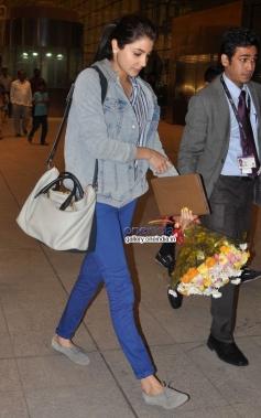 Anushka Sharma off to Sri Lanka