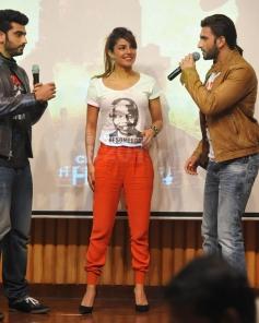 Arjun, Priyanka and Ranveer promotes Gunday at Welingkar College