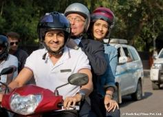 Ayushmann Khurrana and Sonam Kapoor still from film Bewakoofian