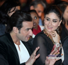 Saif Ali Khan with wife Kareena Kapoor at IIFA 2014 press conference
