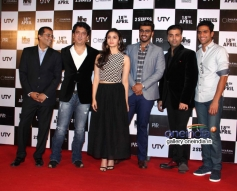 Chetan Bhagat, Sajid, Alia Bhatt, Arjun Kapoor and Karan Johar  at 2 States trailer launch