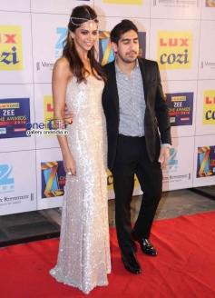 Deepika Padukone and Ayan Mukerji at Zee Cine Awards 2014