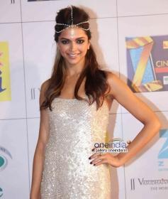 Deepika Padukone at Zee Cine Awards 2014