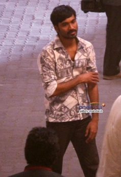 Dhanush in R Balki's untitled film shooting