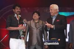 Director Bala won award at 7th Year Edison Awards 2014