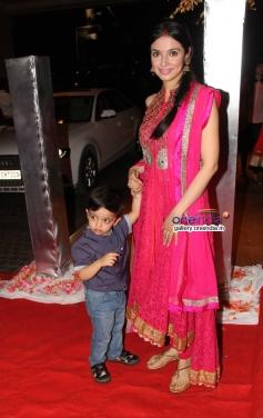 Divya Khosla Kumar at Siddharth Kannan wedding reception