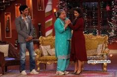 Farhan Akhtar, Ali Asgar and Vidya Balan on the sets of Comedy Nights with Kapil