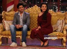 Farhan Akhtar and Vidya Balan on the sets of Comedy Nights with Kapil