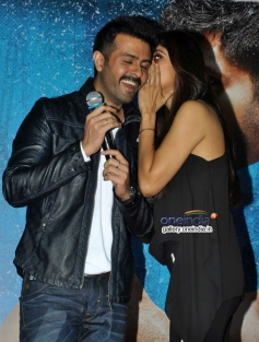 Harman Baweja and Shilpa Shetty at launch of song Tu Mere Type Ka Nahi Hai from film Dishkiyaoon