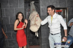 Jimmy Shergill and Nushrat Bharucha promote Darr At The Mall at R City Mall